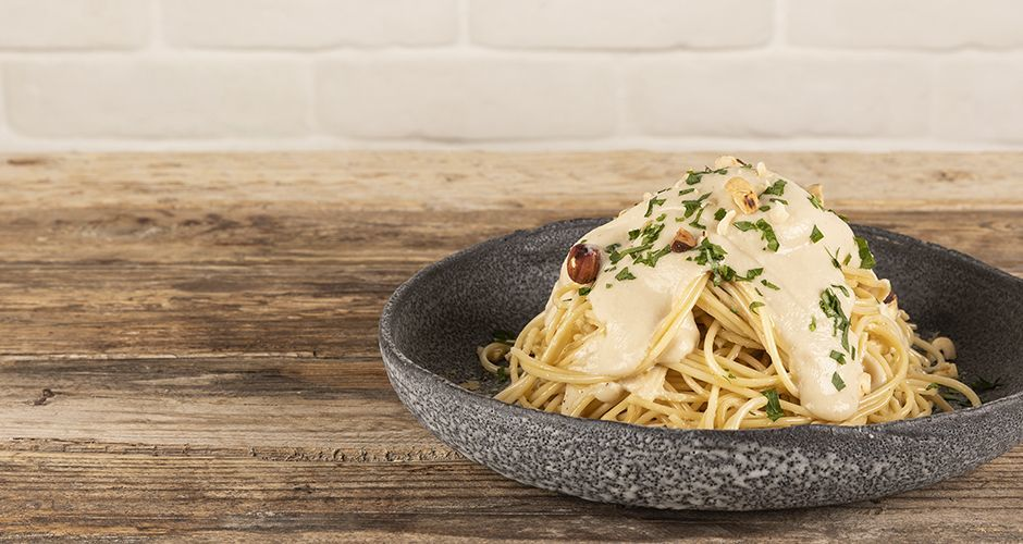 Vegan spaghetti Alfredo