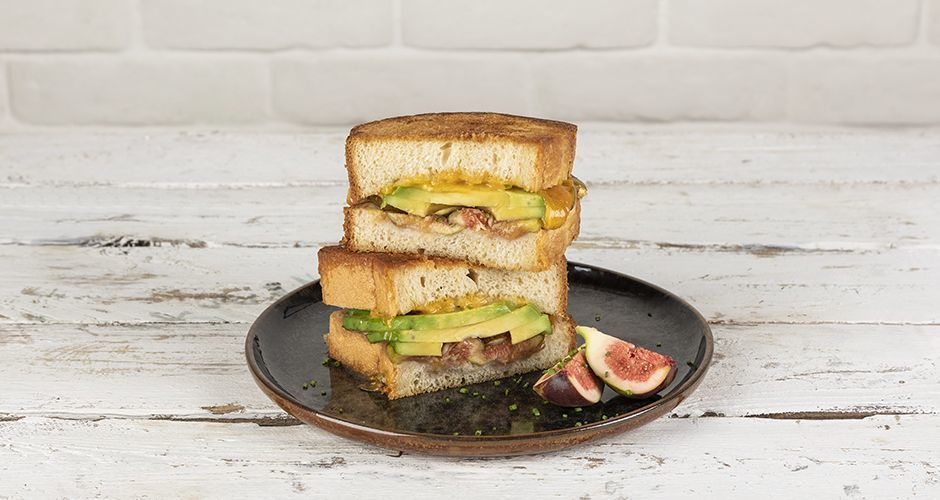Grilled cheese with avocados and figs