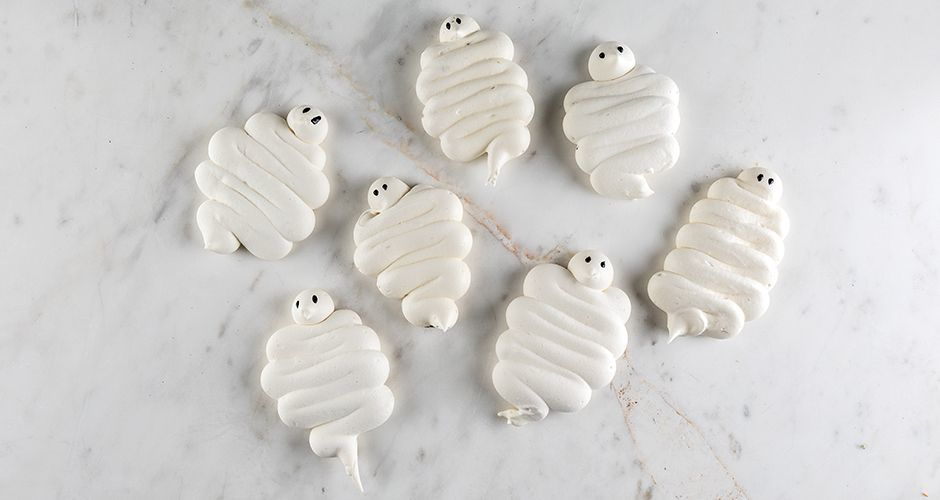 Spooky meringue ghosts