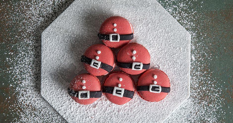 Santa Claus macarons