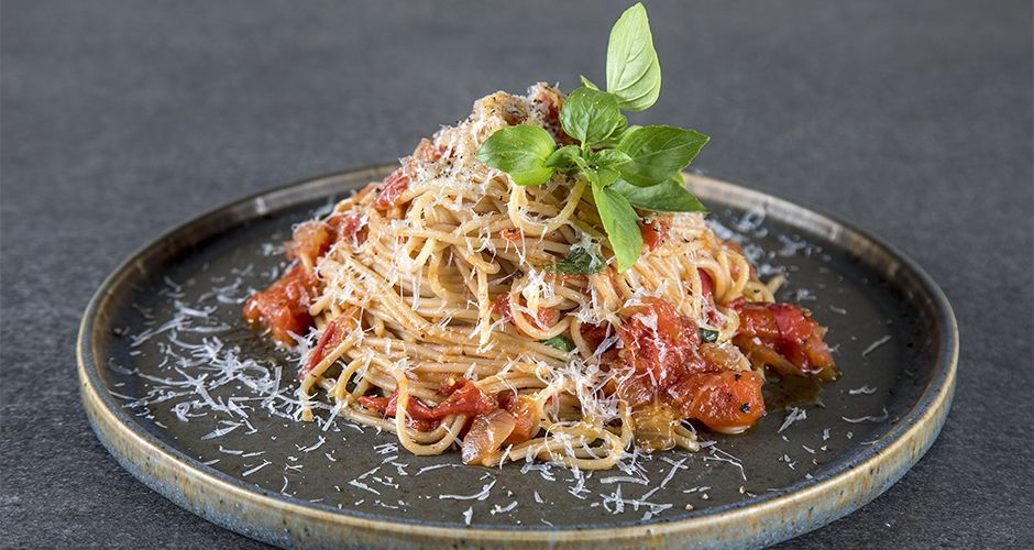 Healthy pasta with tomato sauce