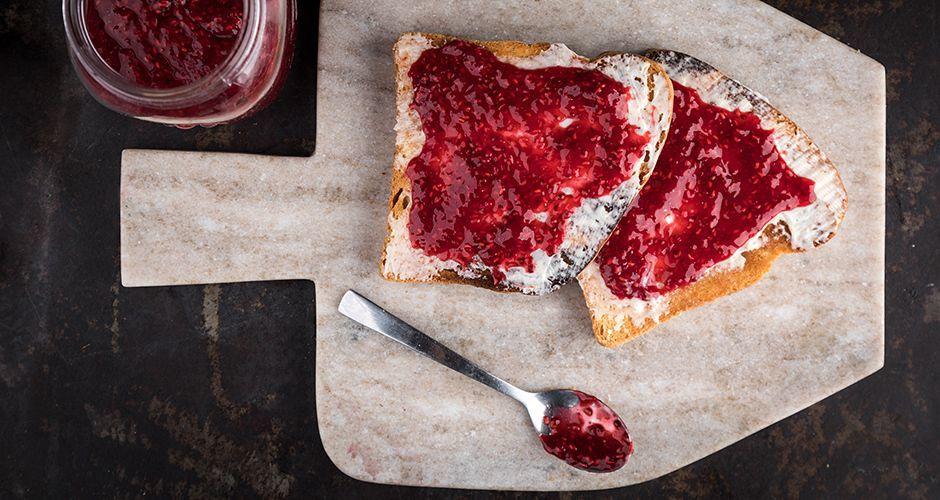 No-cook raspberry jam