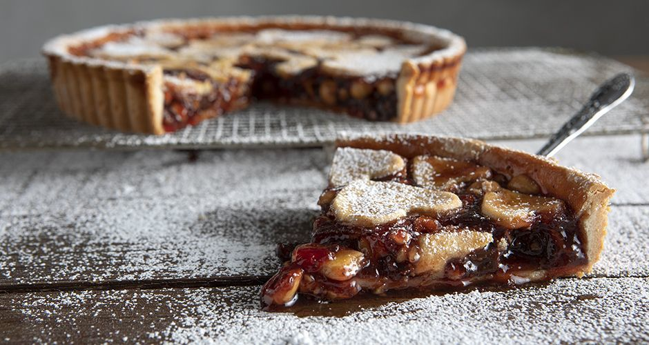 Strawberry jam and hazelnut tart