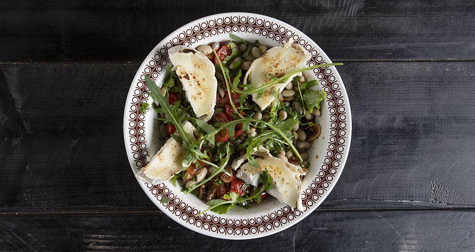 Sweet and sour borlotti bean salad