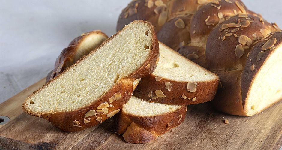 Greek Lenten sweet bread – Tsoureki