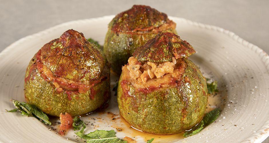 Vegan stuffed zucchini with trahana
