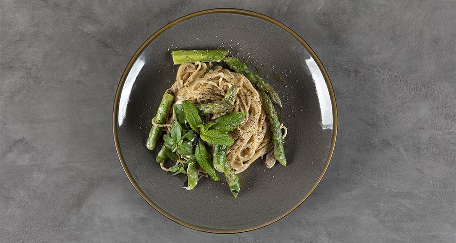 Healthy pasta with asparagus (high protein)