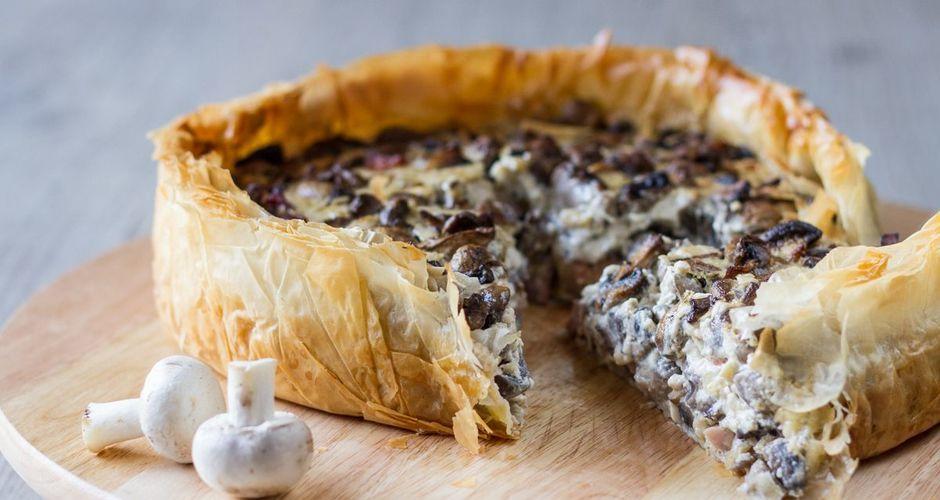 Open-faced smoked mushroom pie
