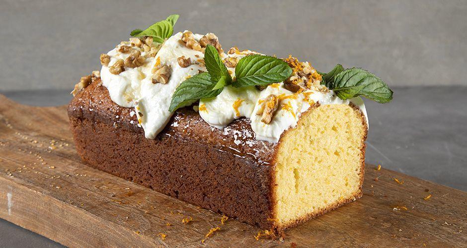 Olive oil and yogurt cake