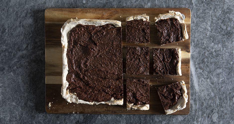 Meringue crust brownies