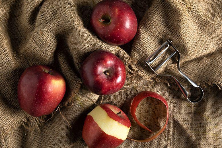 Food waste peeler apple 24 9 19 thumb