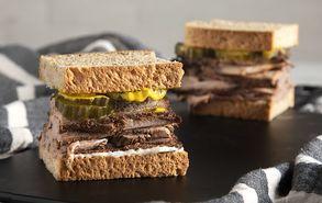 Recipe thumb sandwich me mosxarisio pastrami
