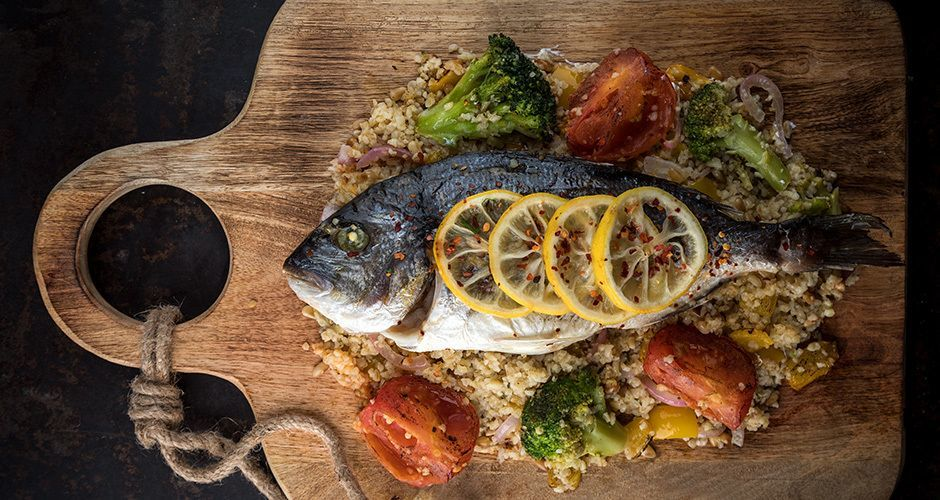 Baked sea bream with bulgur wheat