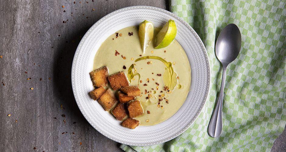 Velvety broccoli soup