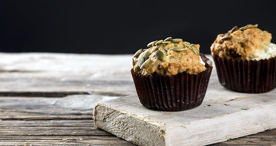 Ελληνικά muffins με ελιές και φέτα