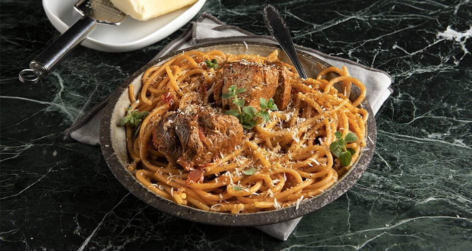 Greek pork and pasta stew - Rosto