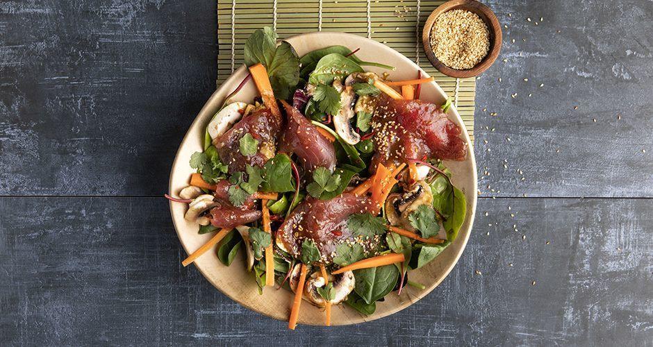 Tuna carpaccio with green salad
