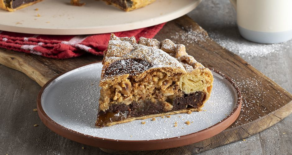 Chocolate and caramelized hazelnut pie
