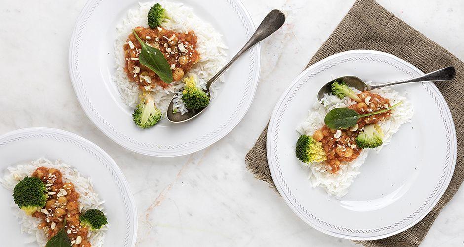Vegan κάρι με κρέμα καρύδας και ρεβίθια