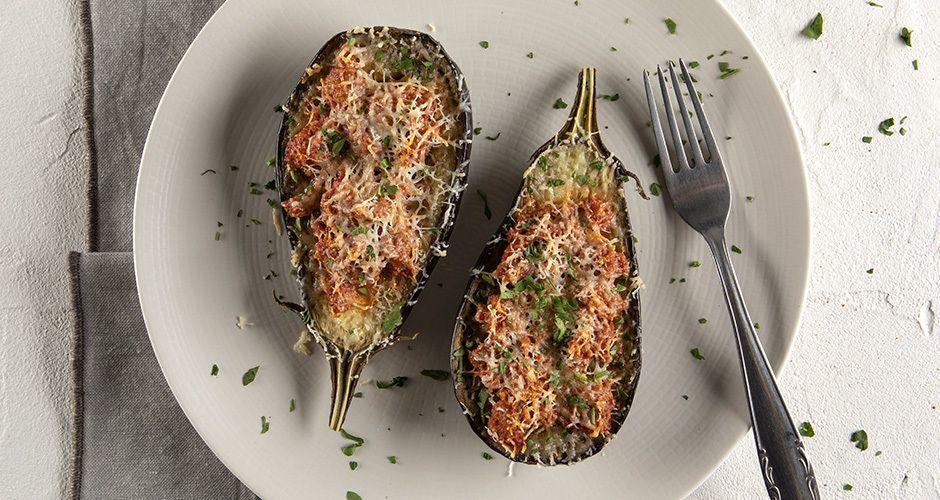 Simple papoutsakia – Stuffed eggplants