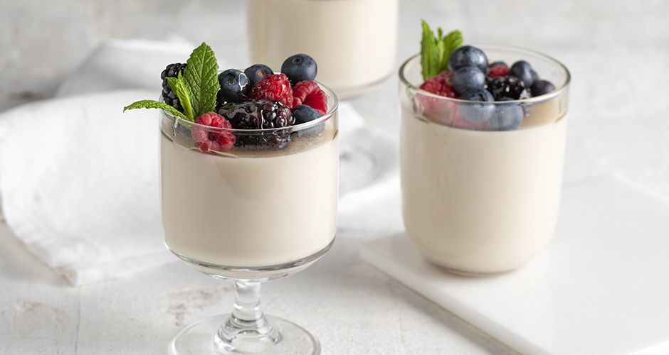 Recipe main panna cotta amigdalou