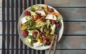 Recipe thumb kalokairini salata me frouta kai katsikisio tiri