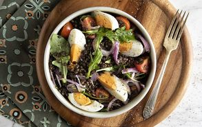 Recipe thumb salata me fakes kai avga site