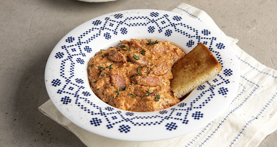 Sausage kagianas – Greek scrambled eggs