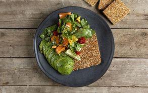 Recipe thumb prasini salata me pasteli amigdalou
