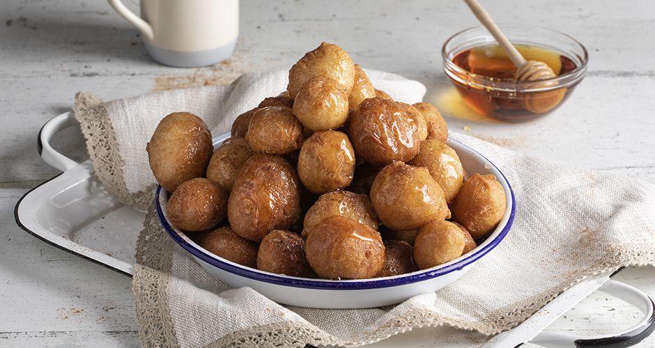 Greek honey donuts – Loukoumades