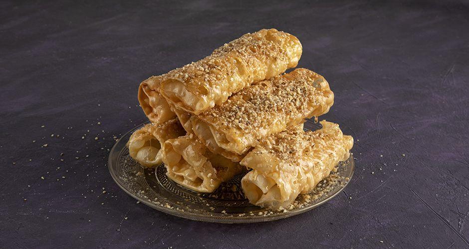 Greek honey rolls - Diples