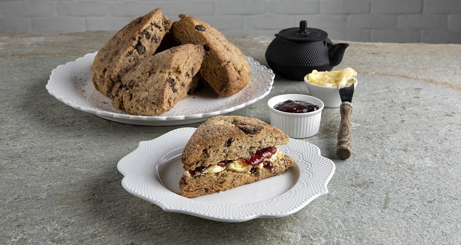 Recipe main scones me sokolata kai cranberries