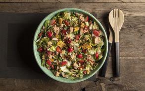 Recipe thumb salata me laxanika kai kapnisto tono