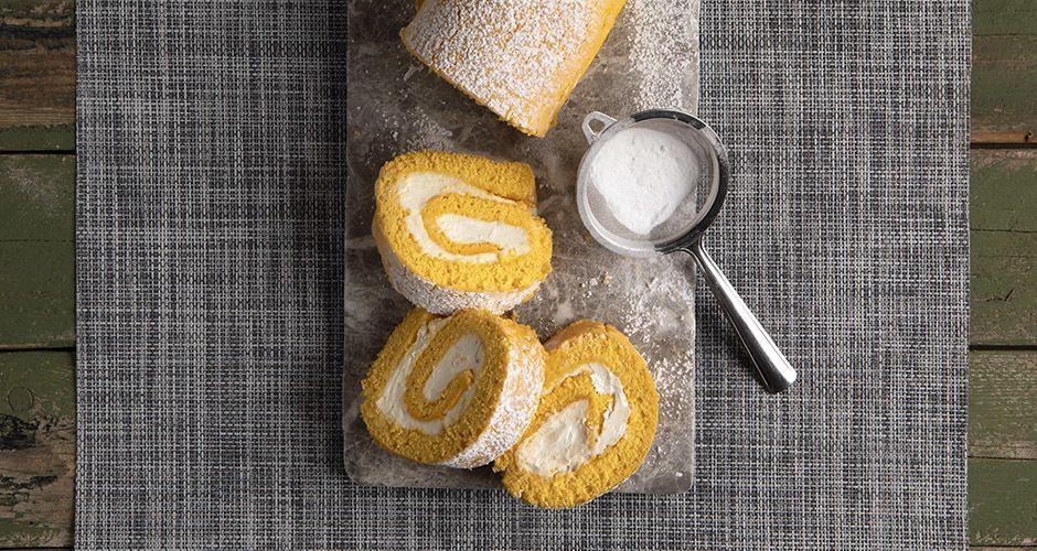 Lemon cake roll with cream cheese