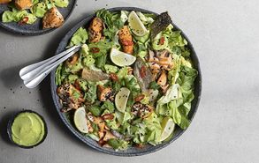Recipe thumb salata me solomo kai avocanto
