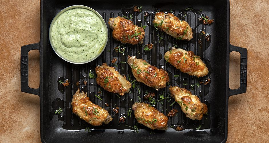 Chicken wings with coriander sauce