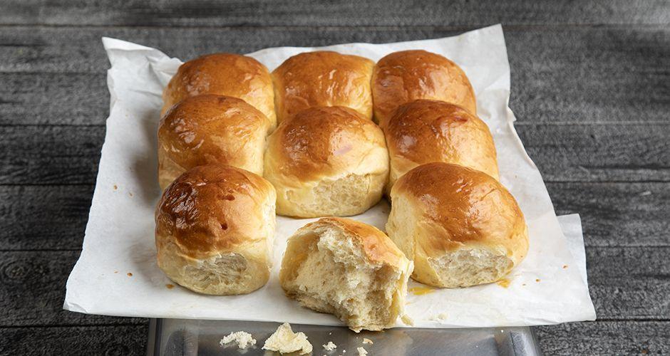 Individual Greek sweet bread – Tsoureki