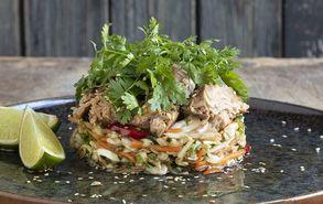 Recipe thumb asiatiki salata me kapnisto tono