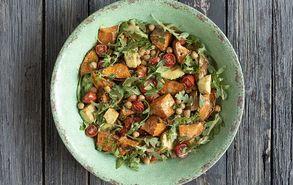 Recipe thumb salata me glikopatata revithia kai saltsa