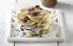 Recipe thumb akis petretzikis pancakes me kerasia