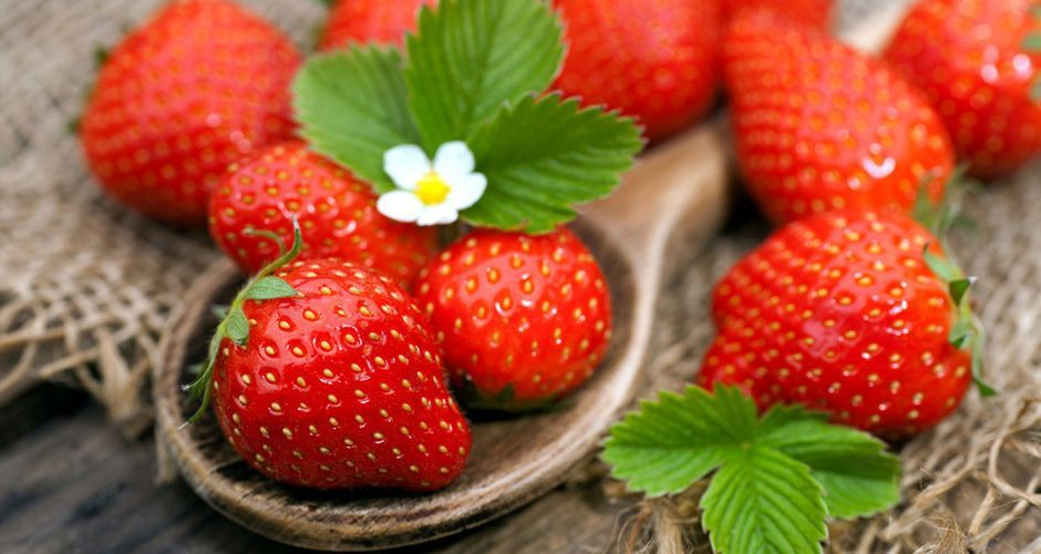 Recipe main recipe main tips akis petretzikis strawberries
