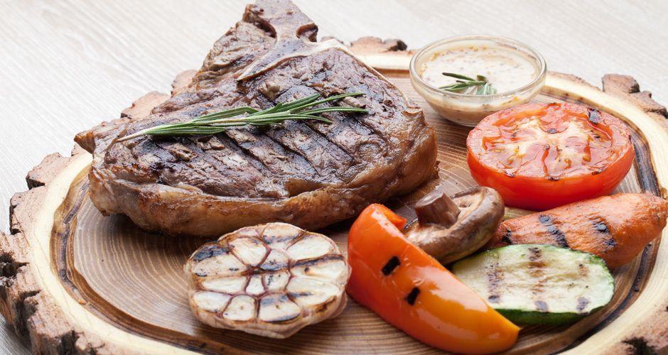 Recipe main tips akis petretzikis steak sauce tip 61 fotolia 72219596 subscription monthly m