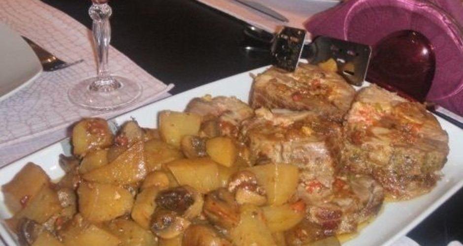 Γεμιστό ρολό χοιρινό με πατάτες και μανιτάρια