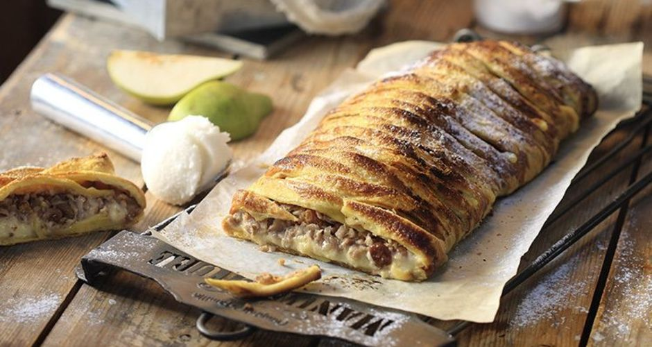 Pear and custard phyllo pie
