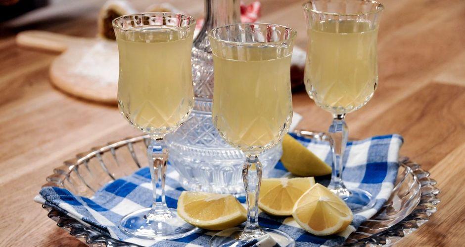 Spicy lemonade with rum