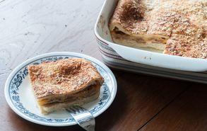Recipe thumb akis petretzikis spesial omeleta fournou 2
