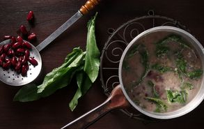 Recipe thumb akis petretzikis soupa me fasolia kai lapatha