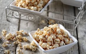 Recipe thumb akis petretzikis pikantiko popcorn