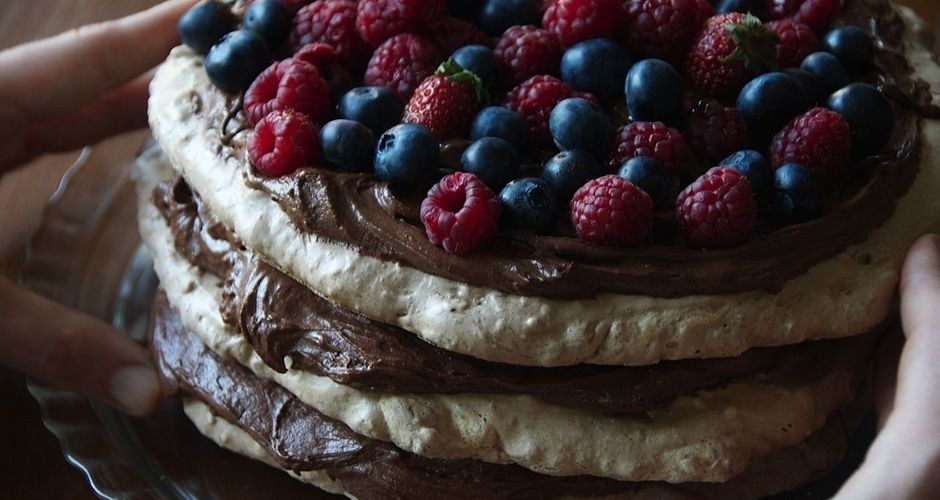 Berry chocolate pavlova