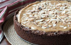 Recipe thumb akis petretzikis tarta gemista mpiskota me brownie kai dulce de leche 3
